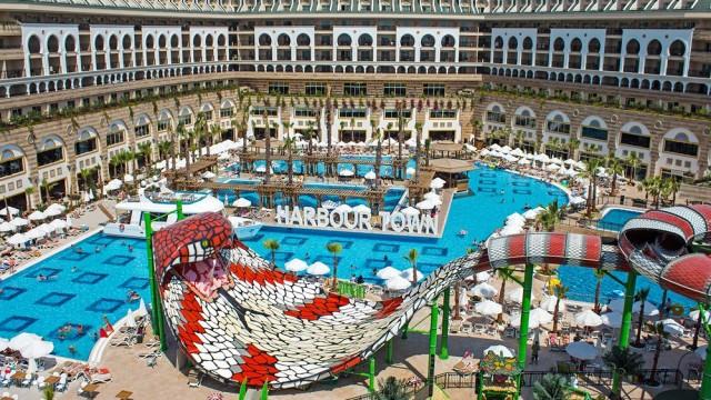 Crystal Sunset Luxury Resort&Spa